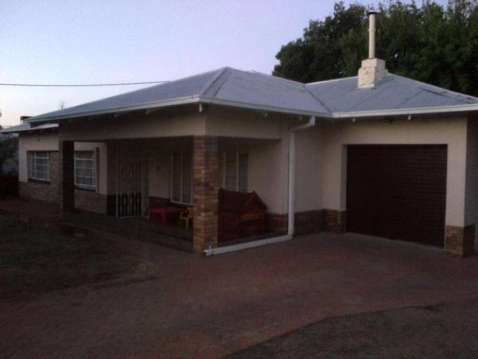 3 Bedroom House For Sale in Kroonstad - Home Sell - MR119675