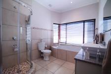 Bathroom 1 - 2 square meters of property in The Meadows Estate