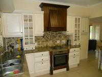 Kitchen - 15 square meters of property in Kloof