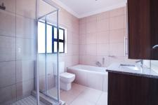 Bathroom 1 - 5 square meters of property in Six Fountains Estate
