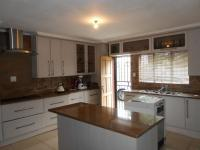 Kitchen - 20 square meters of property in Crystal Park
