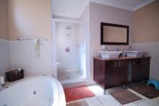 Main Bathroom - 12 square meters of property in Silver Stream Estate