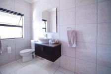 Bathroom 2 - 7 square meters of property in Silverwoods Country Estate
