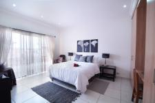 Bed Room 3 - 22 square meters of property in Silverwoods Country Estate