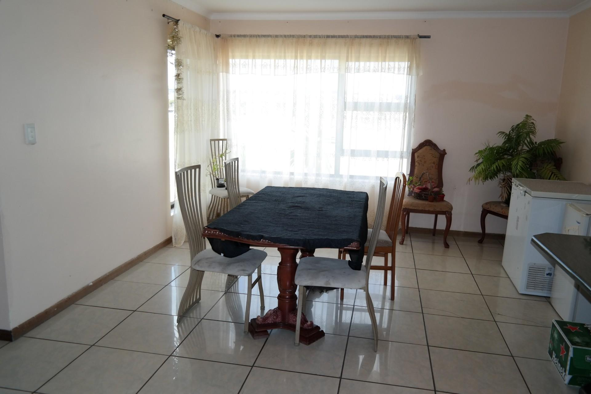 Dining Room - 24 square meters of property in Sonstraal