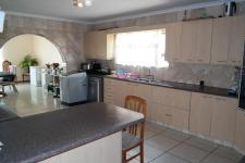 Kitchen - 29 square meters of property in Sonstraal