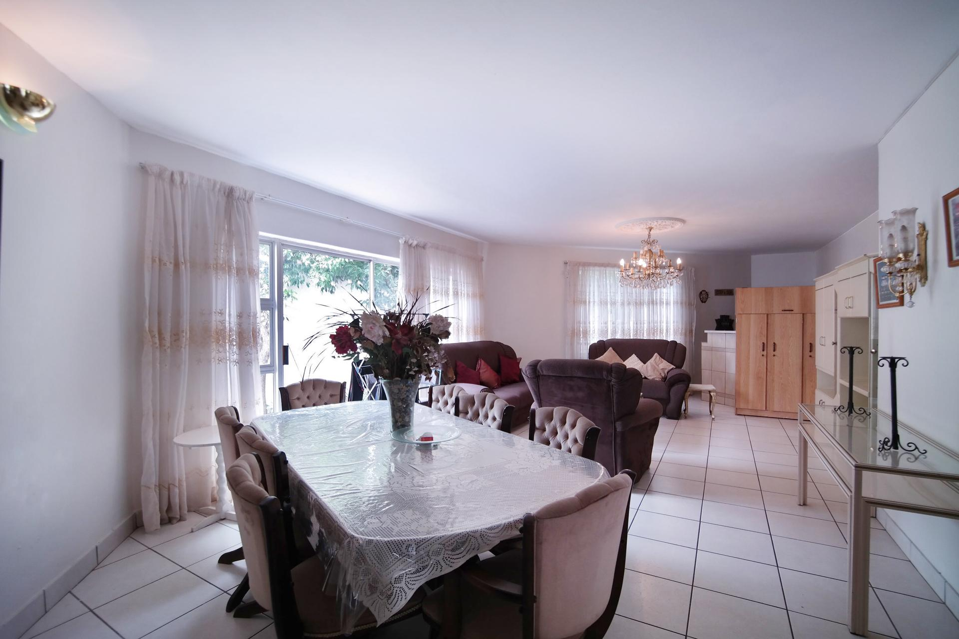 Dining Room - 20 square meters of property in Silver Lakes Golf Estate