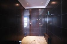 Main Bathroom - 29 square meters of property in Silver Stream Estate