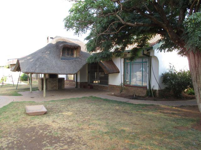 Standard Bank EasySell 3 Bedroom House for Sale For Sale in Klerksdorp - MR119866