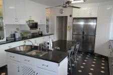 Kitchen - 33 square meters of property in Rondebosch