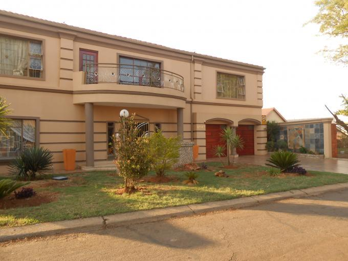 6 Bedroom House for Sale For Sale in Lenasia - Home Sell - MR119877