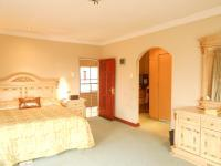 Bed Room 5+ of property in Lenasia
