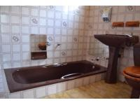 Main Bathroom of property in Emalahleni (Witbank)