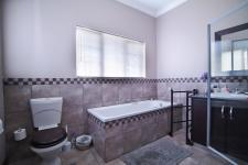Bathroom 1 - 3 square meters of property in Six Fountains Estate