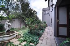 Garden of property in Six Fountains Estate