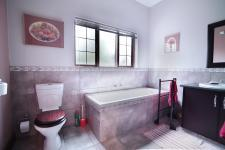 Bathroom 3+ - 21 square meters of property in Six Fountains Estate