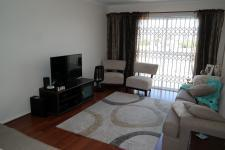 Lounges - 17 square meters of property in Milnerton