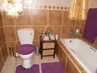 Bathroom 1 - 6 square meters of property in Witfield