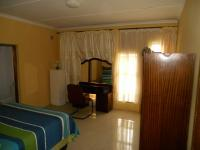 Bed Room 1 - 18 square meters of property in Isipingo Hills