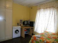 Bed Room 3 - 16 square meters of property in Isipingo Hills