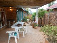 Patio - 17 square meters of property in Garsfontein