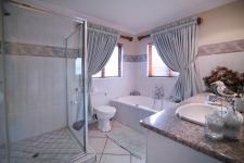 Bathroom 1 - 10 square meters