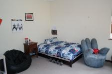 Bed Room 1 - 21 square meters of property in Durbanville Hills
