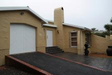 Front View of property in Durbanville Hills