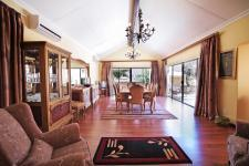 Dining Room - 47 square meters of property in Woodhill Golf Estate