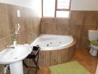 Main Bathroom - 9 square meters of property in Vanderbijlpark