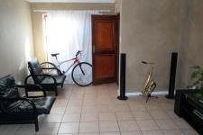 Lounges - 17 square meters of property in Brackenfell