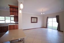 Dining Room - 25 square meters of property in Silverwoods Country Estate