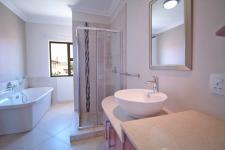 Bathroom 1 - 5 square meters of property in Silverwoods Country Estate
