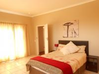 Main Bedroom - 20 square meters of property in Northcliff