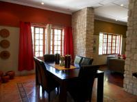 Dining Room - 20 square meters of property in Cyrildene