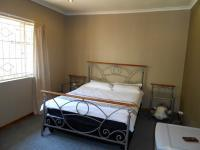 Bed Room 1 - 22 square meters of property in Cyrildene