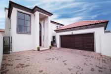 3 Bedroom 2 Bathroom Sec Title for Sale for sale in Six Fountains Estate