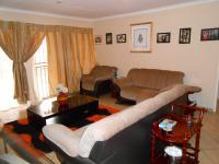 Lounges - 25 square meters of property in Willow Park Manor