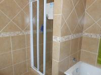 Main Bathroom - 8 square meters of property in Willow Park Manor