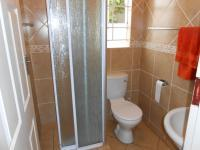 Bathroom 1 - 2 square meters of property in Willow Park Manor