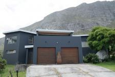 4 Bedroom 3 Bathroom in Bettys Bay