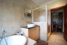 Bathroom 1 - 10 square meters of property in Willow Acres Estate