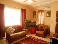 Lounges - 18 square meters of property in Mid-ennerdale