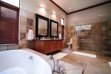 Main Bathroom - 16 square meters of property in Silver Lakes Golf Estate