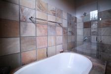 Bathroom 3+ - 22 square meters of property in Silver Lakes Golf Estate