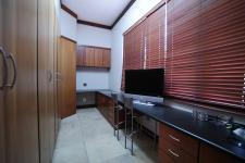 Study - 43 square meters of property in Silver Lakes Golf Estate