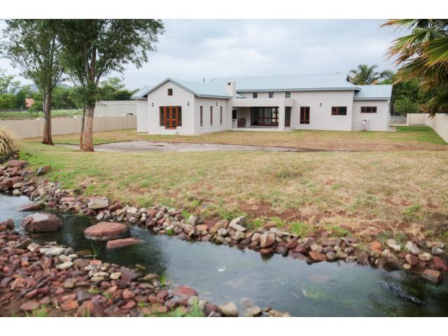 4 Bedroom House for Sale For Sale in Hartbeespoort - Home Sell - MR120246