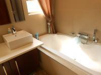Bathroom 1 - 5 square meters of property in Fairlands