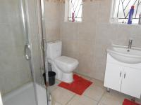 Main Bathroom - 6 square meters of property in Nigel