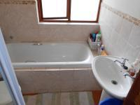 Main Bathroom - 5 square meters of property in Montana
